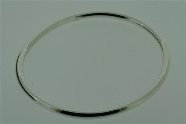 narrow oval tubular bangle