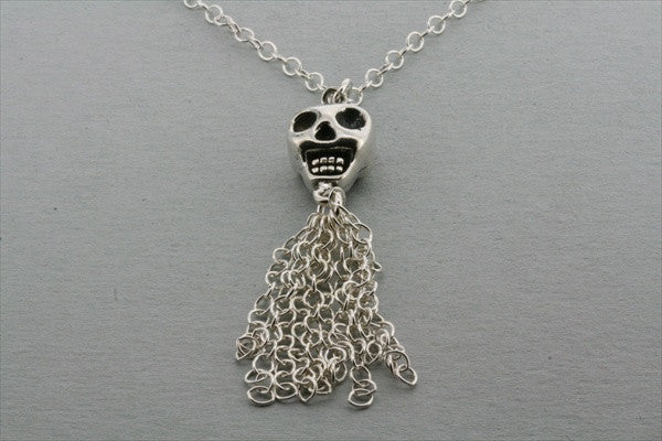 skull & tassle necklace