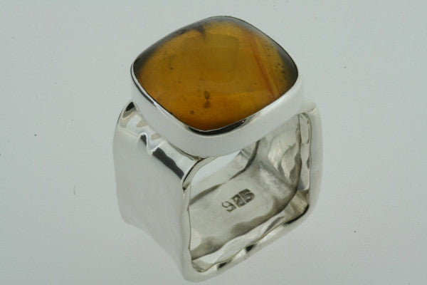 squared battered ring - amber