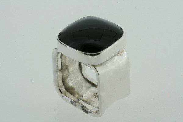 squared battered ring - obsidian