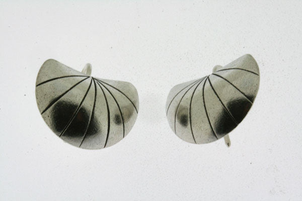 convex stripe shield earring