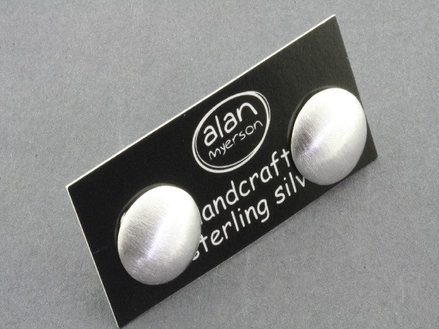 Brushed smartie stud - sterling silver