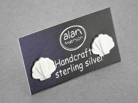 Seashell stud - sterling silver