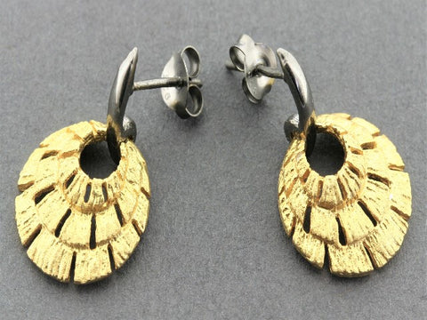 Nouveau fan earring - 22 Kt gold & oxidized on silver