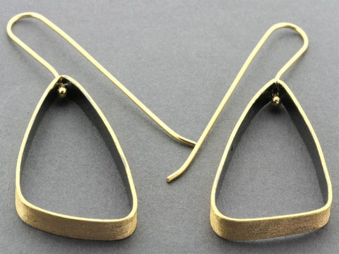 Scalene triangle drop - 22 Kt gold & oxidized