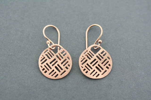 textured circle disc earring - rose gold plated