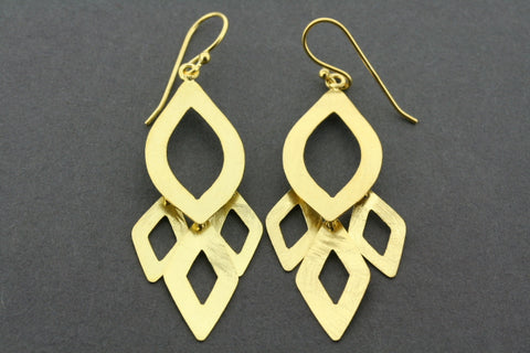 Hakea drop earring - gold plated