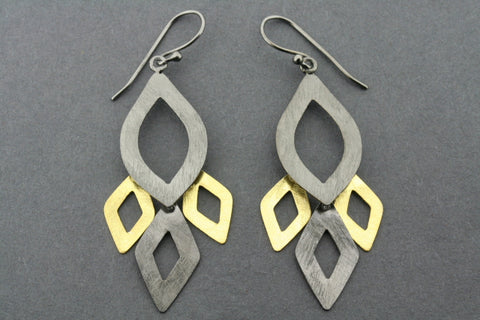 Hakea drop earring - gold plated & oxidized