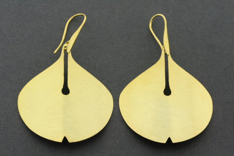 Lilly earring - gold plated
