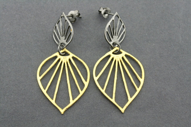 double petal earring - gold plated & oxidized