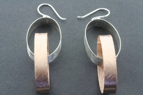double oval ribbon earring - rose gold plated