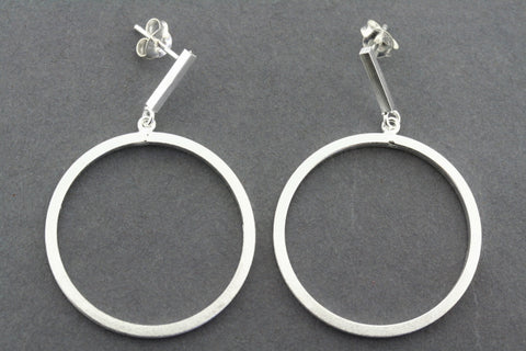 deco bar and hoop earring
