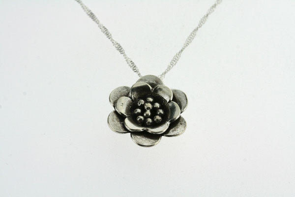 small sunrose pendant on 55cm singapore chain