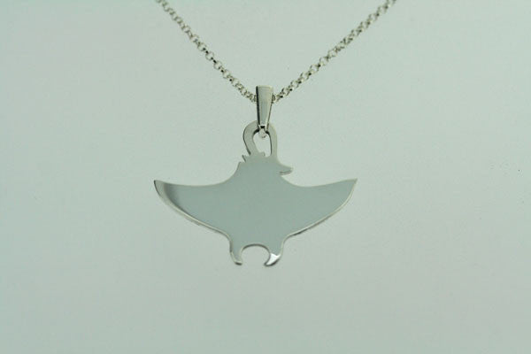 large stingray necklace
