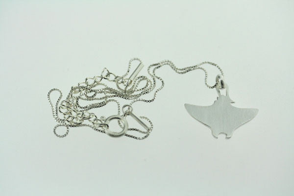 little stingray necklace