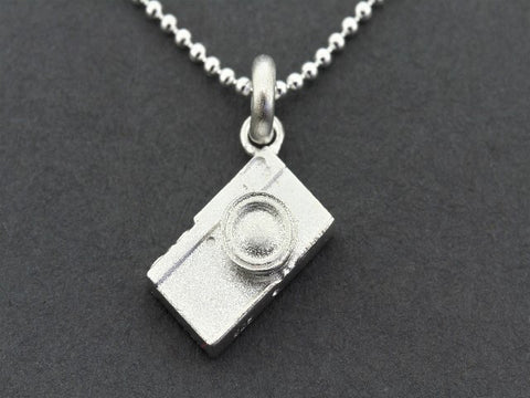 Camera pendant on 45 cm ball chain - sterling silver