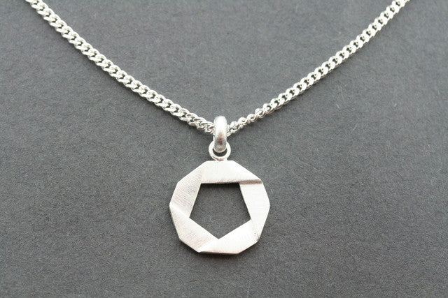 folded circle pendant on 45 cm link chain