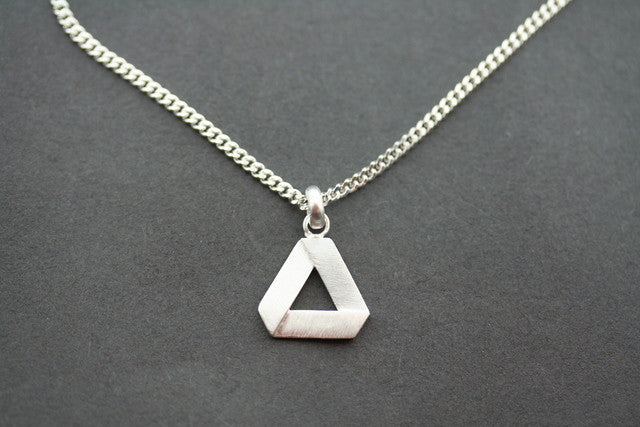 folded triangle pendant on 45 cm link chain