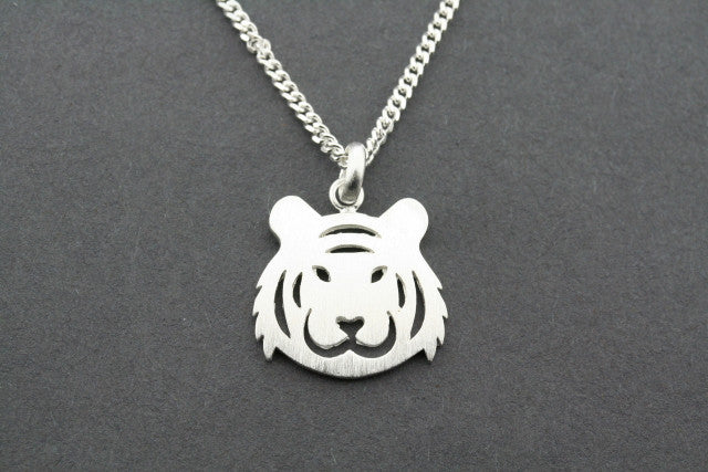 Tiger face pendant on 55cm link chain
