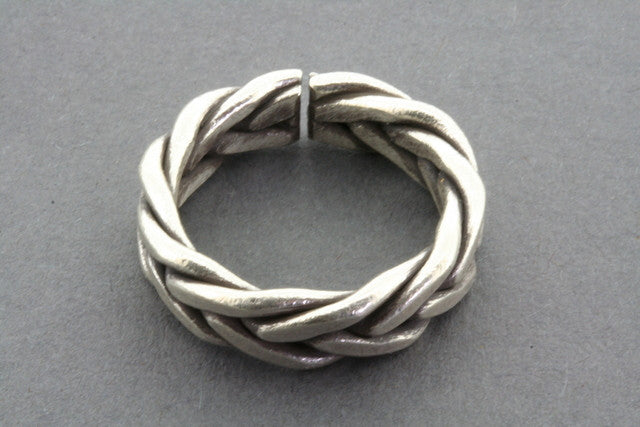thick plaited ring