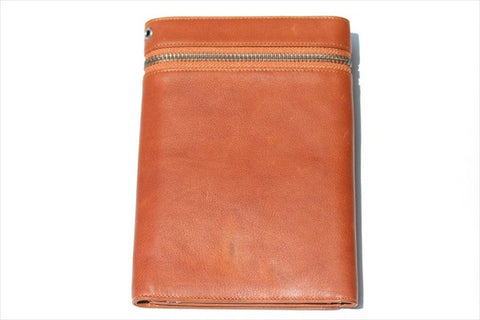 travel wallet - tan