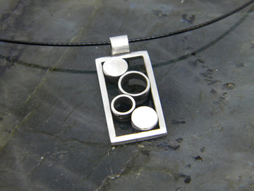 Minimalism Collection - Framed Pendant - MARTINIJewels