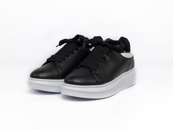 Swift Black/White Shoes