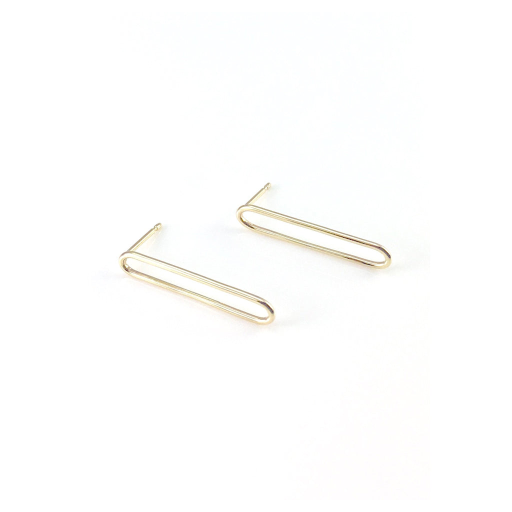 9 carat yellow gold paperclip earrings with a 3cm drop. Handmade in Brighton by Scott MiIlar Jewellery.