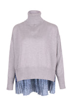 Load image into Gallery viewer, Cropped Pleated Silk Back Sweater