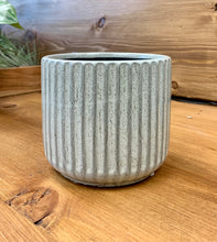 "Load image into Gallery viewer, Ceramic Ribbon Cover Pot 5""x5""GREY"
