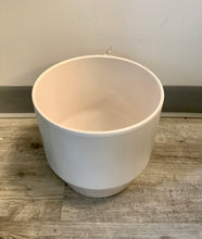 "Load image into Gallery viewer, Ceramic cover pot (9""x8.5"") WHITE"