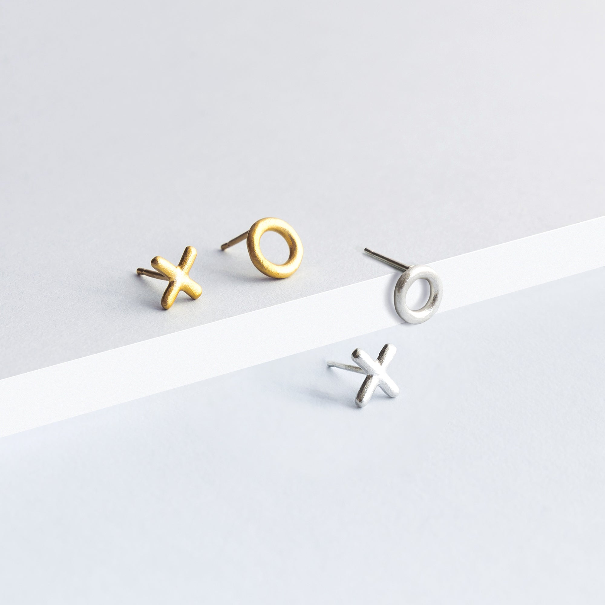 XO Earrings - Silver