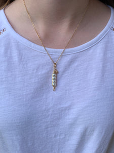 "18"" Gold Pea Pod Necklace"