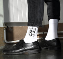 "Laden Sie das Bild in den Galerie-Viewer, Claudio Naef - Socken ""Hearts"" PRE-ORDER"