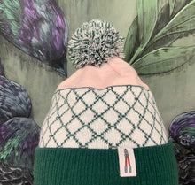 "Laden Sie das Bild in den Galerie-Viewer, Rips1 - Beanie ""Freedom"" (rosa)"