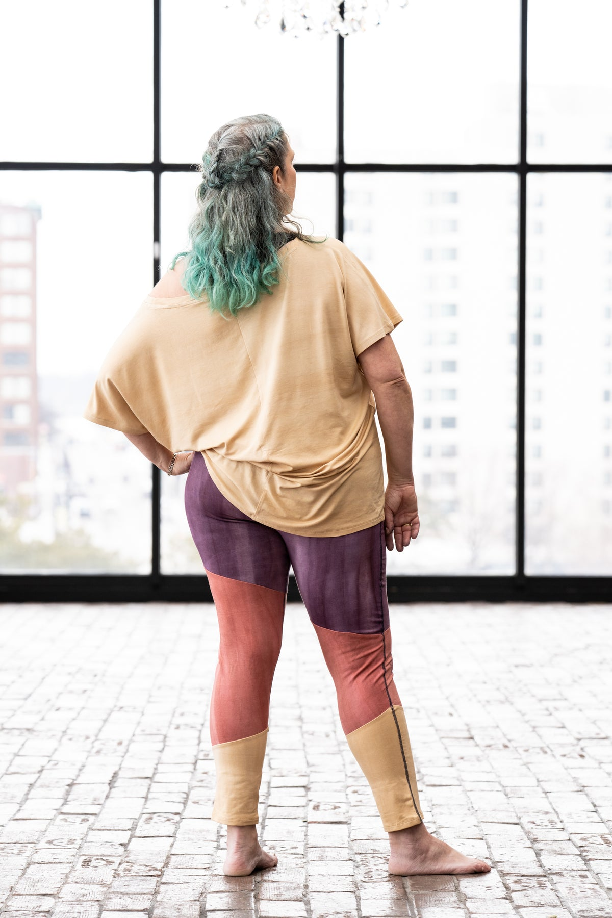 Harmony legging in Thistle, Blossom & Flax