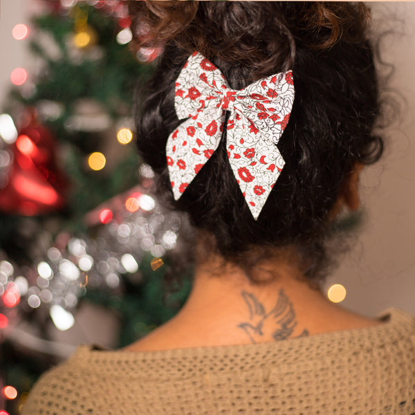 Holly Pigtail Bow