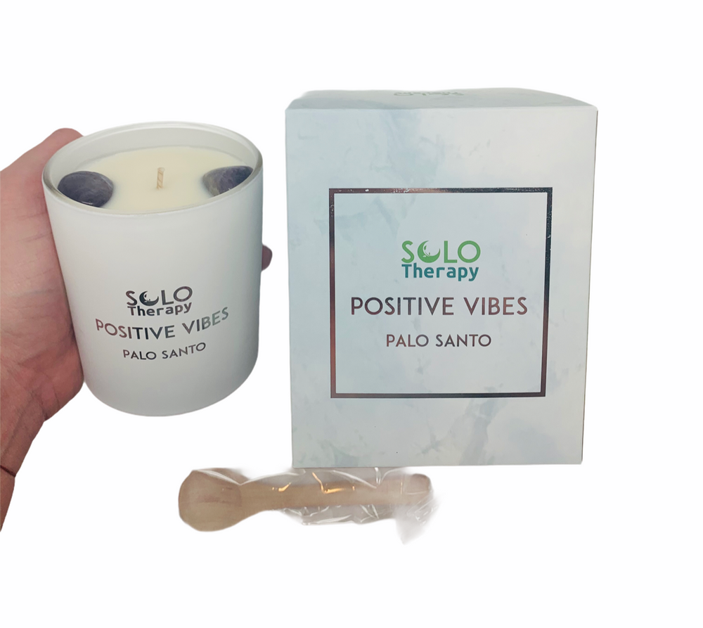 POSITIVE VIBES: Palo Santo Candle with Amethyst Crystals - Solo Therapy
