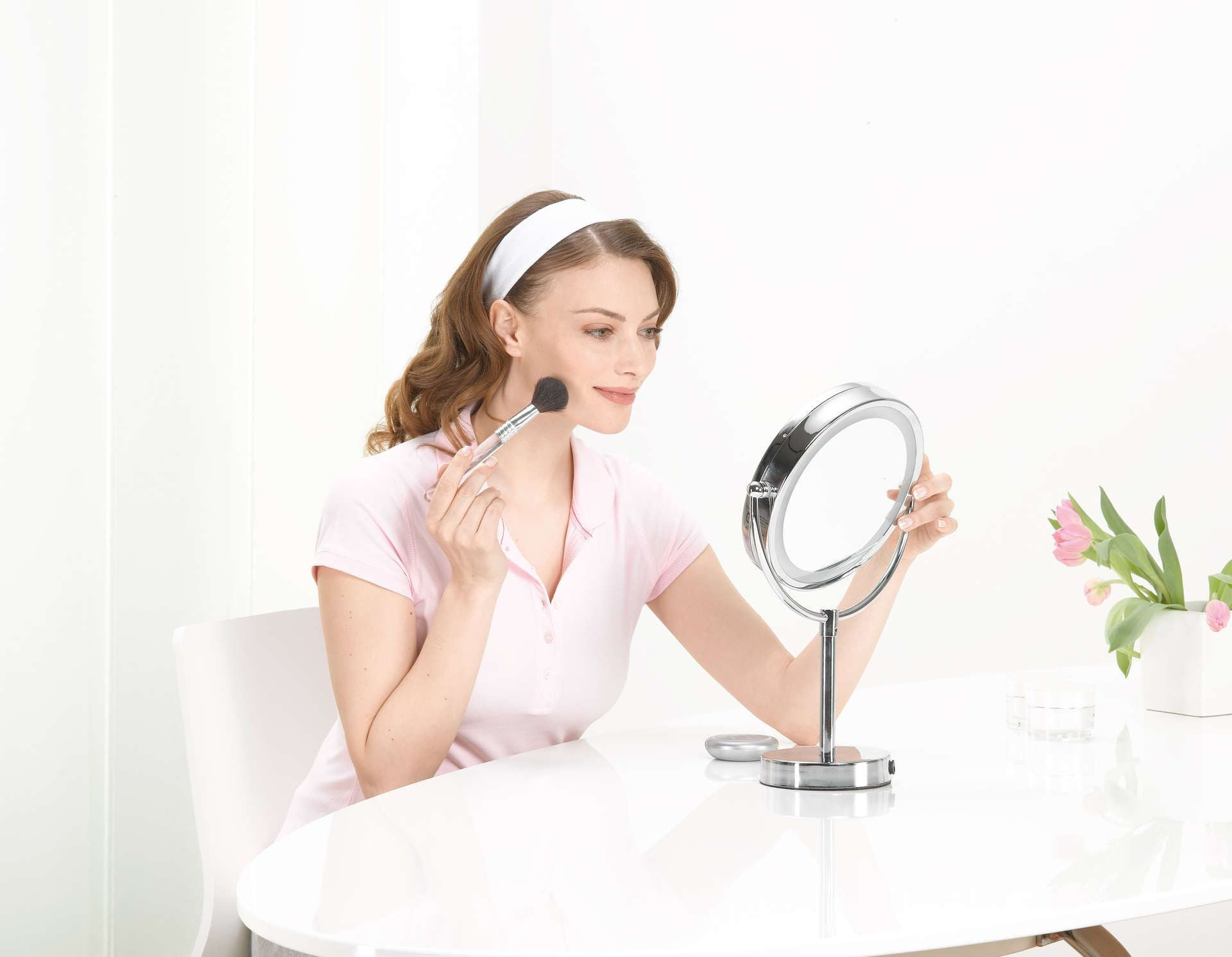 Illuminated cosmetics mirror BS 69 | Beurer