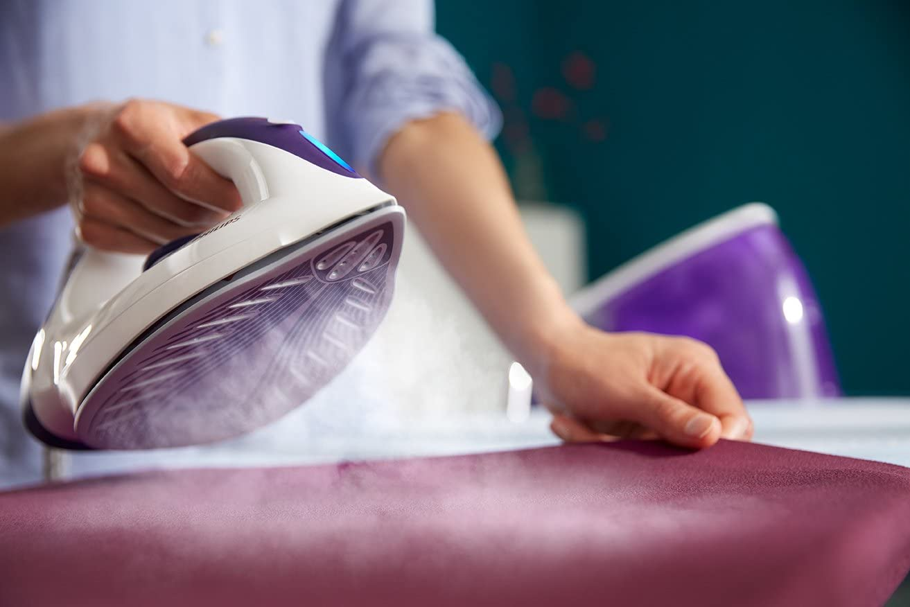FastCare Compact Steam Generator Iron | Philips