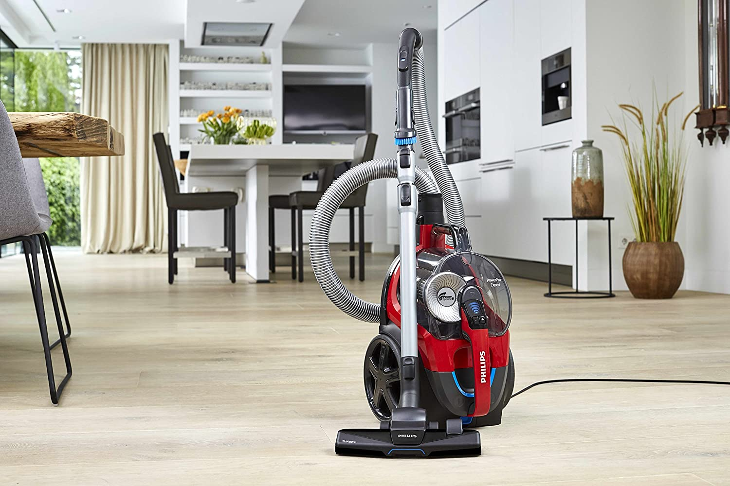 PowerPro Expert Bagless Vacuum Cleaner | Philips