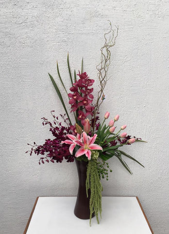Cymbidium y Tulipanes