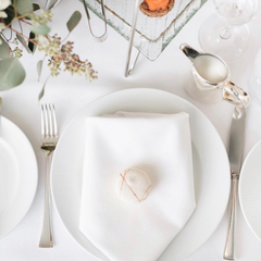 macaroon place setting