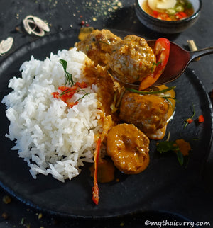 Serving-Presentation-1-Pork-&-Lemongrass-Meatballs-in-Thai-Red-Curry-Sauce from mythaicurry.com