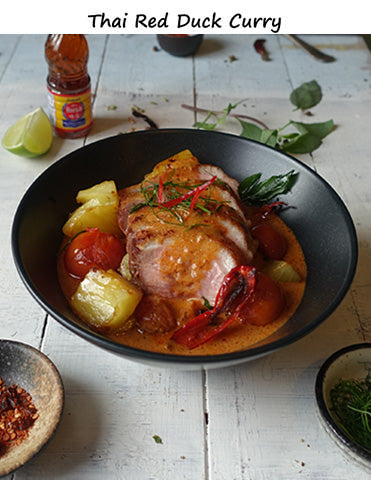 Duck-in-Thai-Red-Curry-sauce-serving-presentation