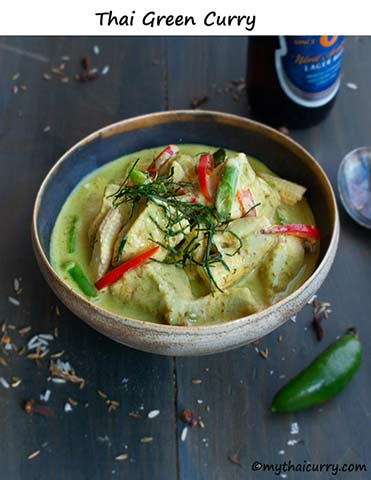 Thai green chicken curry thumb