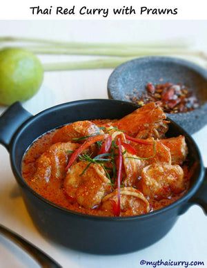 Serving suggestion for Thai red curry with prawns