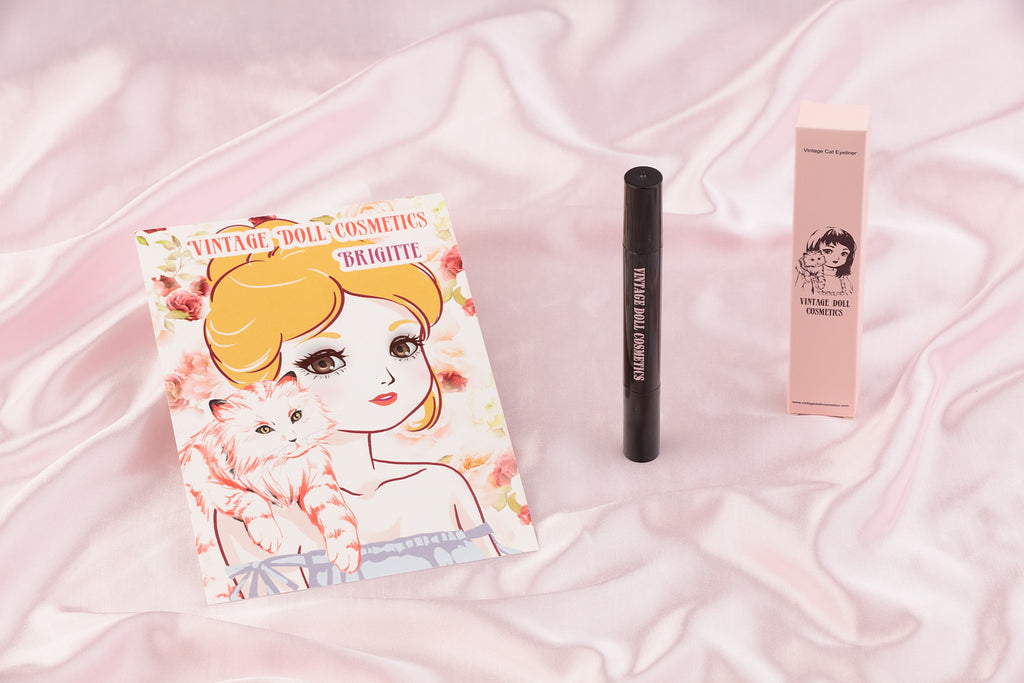 Vintage Cat Eye Eyeliner Stamp
