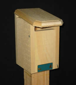 Designed specifically for bluebirds and resistant to sparrow. Made in the USA of white pine.