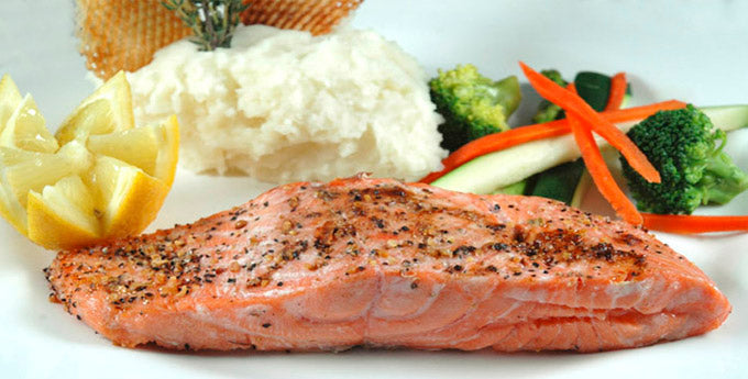 Broiled Salmon with Dill Sauce
